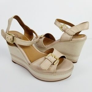 CLARKS Collection Tan Wedge Gold Buckle Sandals